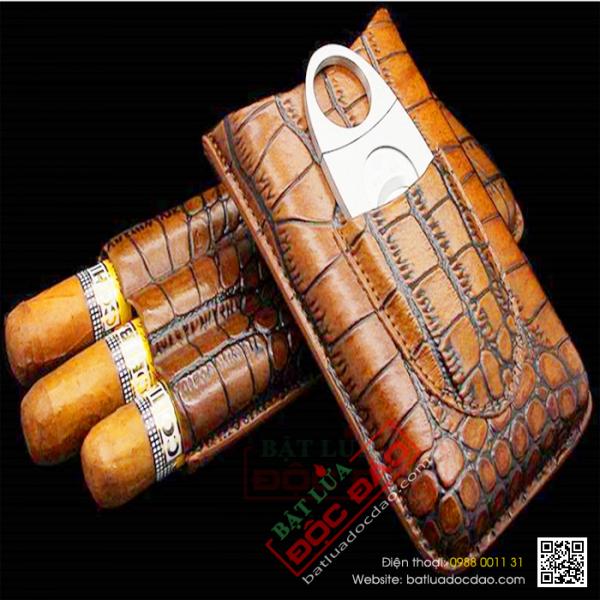 Quà tặng sếp cao cấp: bao da xì gà 3 điếu, dao cắt xì gà Cohiba P01