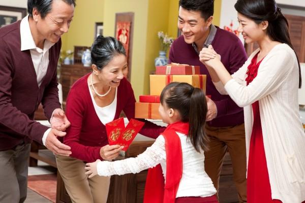 Quà Tết cho gia đình độc đáo và ý nghĩa nhất năm 2022