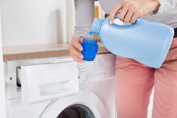 Quần áo khô ráp sau khi giặt, tìm hiểu nguyên nhân và cách khắc phục