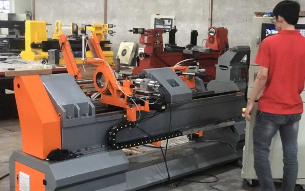 Sản xuất máy tiện gỗ Đông Phương như thế nào.