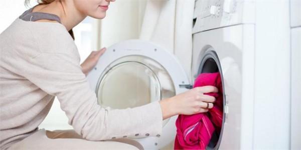 Sấy khô quần áo dễ dàng với mẹo hay từ máy giặt