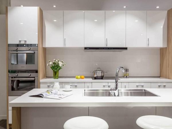 Sử dụng sắc trắng làm màu chủ đạo trong thiết kế bếp