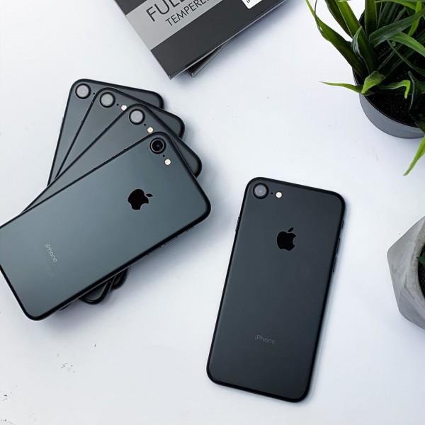 Sự kiện ra mắt iPhone 12 và thực tế