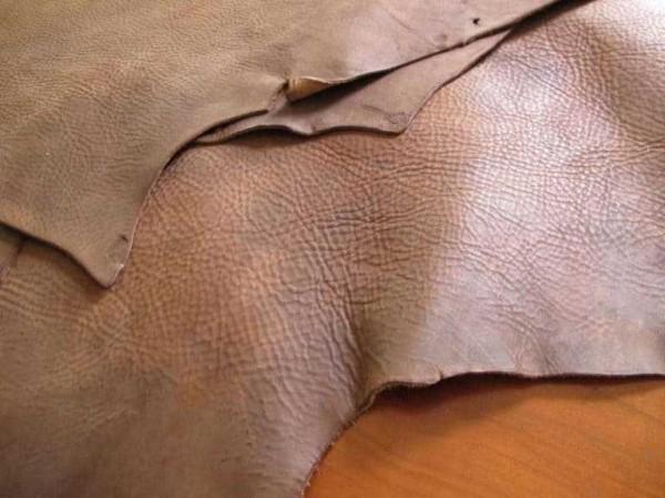 Tại sao dòng da ngựa điên luôn là vật liệu được ưa chuộng
