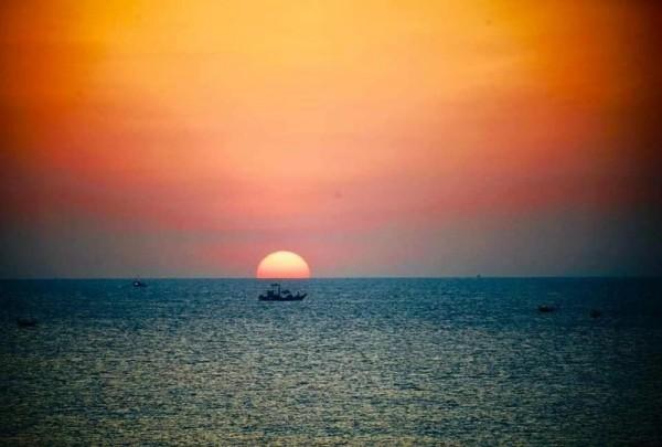 Tạo ra điện năng khi mặt trời lặn