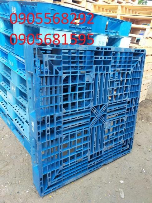 Thanh lý lô pallet nhựa xanh kê hàng cực đẹp Kt 1100x1100x150mm 0905681595