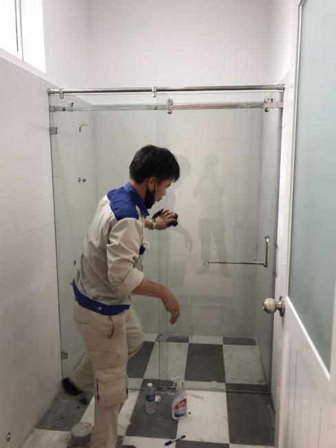 Thi công Cabin, vách kính phòng tắm tại Bình Dương