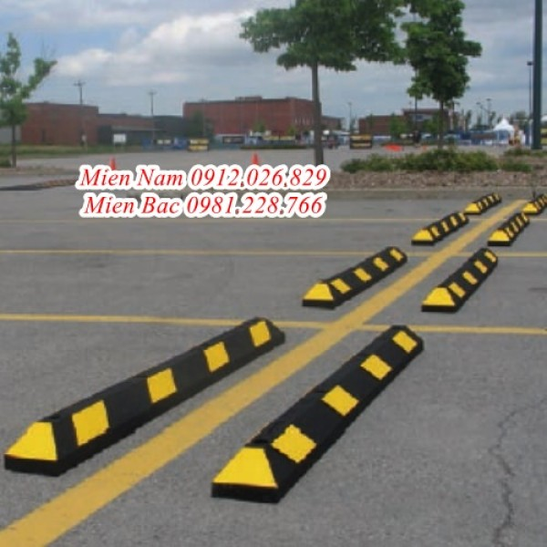 Thiết bị thanh chặn bánh xe ô tô không thể thiếu