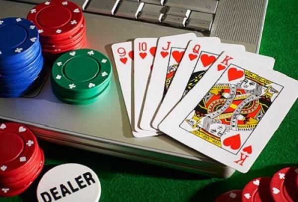 Thu nhập số tiền khủng từ việc chơi Poker trực tuyến tại sao không?