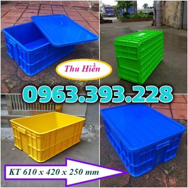 Thùng nhựa đặc có nắp, thùng nhựa cao 25, thùng nhựa công nghiệp giá rẻ, sóng nhựa đặc HS017