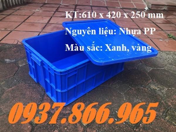 Thùng nhựa đặc, thùng nhựa cơ khí trong nhà máy, khay nhựa dùng trong cửa hàng sửa chữa