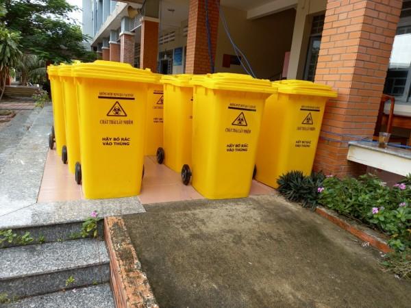 Thùng rác y tế 240l màu vàng cho khu cách ly, phong tỏa giá tốt