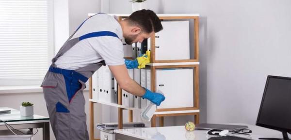 Thường xuyên lau dọn, khử trùng nhà cửa sạch sẽ trong mùa dịch