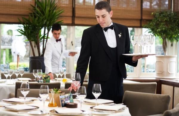 Tiêu chuẩn để trở thành nhân viên phục vụ chuyên nghiệp