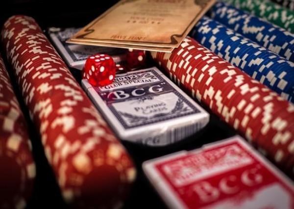 """Tìm hiểu mẹo chơi Casino trực tuyến dễ dàng chi tiết tránh """"mắc bẫy"""""""