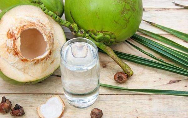 Tìm hiểu tác dụng đối với tim mạch của nước dừa