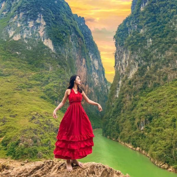 Tour Du Lịch Hà Giang - Hồ Ba Bể - Thác Bản Giốc 6 Ngày 5 Đêm ( Chỉ 1,990k)