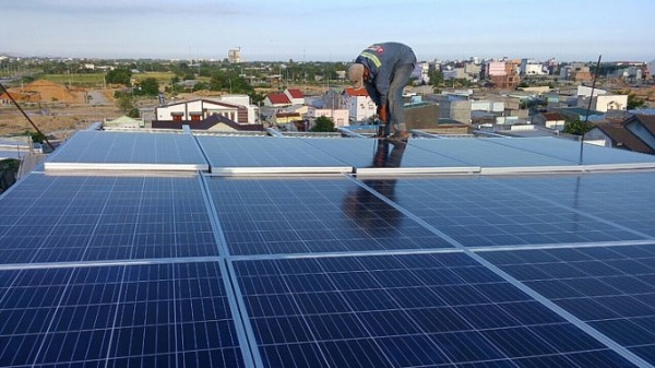 Triển khai dự án điện mặt trời nối lưới tại TPHCM