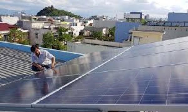 Triển khai lắp đặt hệ thống đèn chiếu sáng sử dụng điện mặt trời