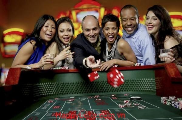 Tự hỏi vì sao trong poker, bạn cần có mục đích khi đặt cược?