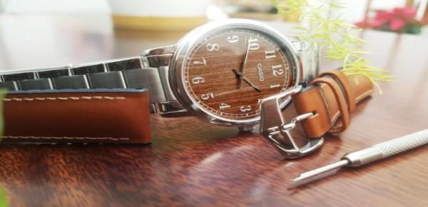 Tự thay dây da đồng hồ tại nhà trong mùa giãn cách