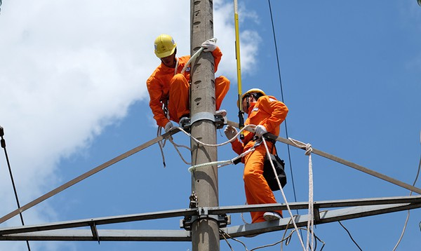 Tuyên truyền tiết kiệm điện, đảm bảo cung cấp điện mùa khô