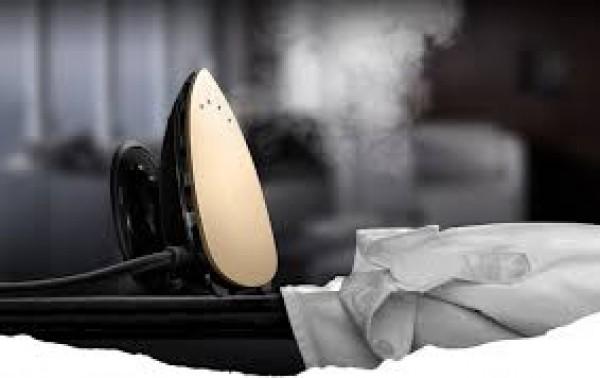 Tuyệt chiêu giúp làm sạch bàn ủi khi bị cháy, rỉ sét, bám bẩn