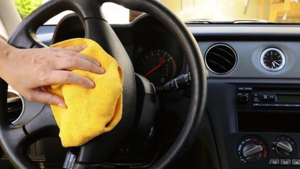 Vệ sinh ô tô và khử khuẩn đúng cách trong mùa dịch