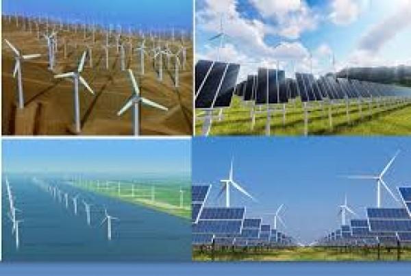 Vui vì có thêm nguồn thu từ việc bán điện mặt trời áp mái