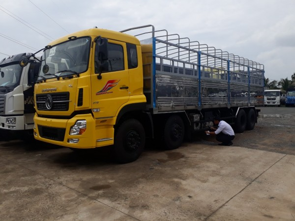 Xe dongfeng 4 chân ISL315 tải 17t99