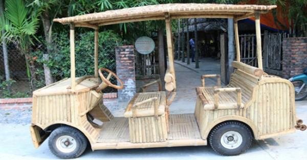 Xe gỗ chạy bằng động cơ điện rất độc đáo và thân thiện với môi trường