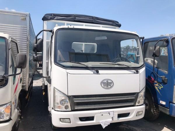 xe tải faw 7 tấn 3 máy hyundai thùng bạt 6m2 giá 300tr