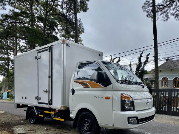Xe Tải Hyundai Porter H150  2021 Thùng Kín Composite  Xe sẵn giao ngay 0908981927