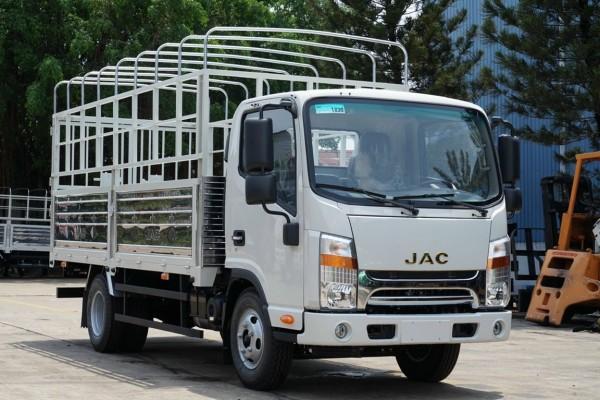 xe tải Jac 1.9 tấn và 3.4 tấn thùng 4m3   máy cummins   giảm giá sốc .