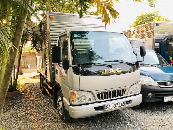 Xe tải JAC 2t4 - Đời 217 - Ga cơ. Nguyên zin. máy lạnh đầy đủ