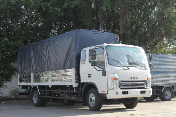 xe tải máycummins nhập khẩu 6 tấn 5 thùng 6m2-chỉ trả trước 30% giá trị xe