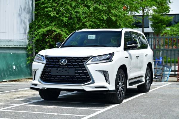 Xuất Phẩm Lexus LX570 Super Sport MBS nhập khẩu mới, đời 2021, sẵn xe giao